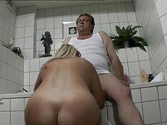 독일 뚱보 케빈의 살빼기 작전/chubby 아빠를 가진 두꺼운 dick