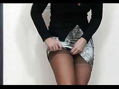 의 섹시한중년여성 Ala 에서 스타킹 및 suspenders