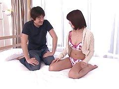 화려한 아기 그녀의 남자 친구의 요구를 만족 하는 것을 사랑 한다.