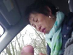 홈메이드,오래된 중국 아줌마 jerking off 딕에서 자동차