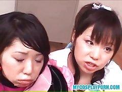 일본 코스프레 포르노-2 학생이 같이 흡입하므로 교사를 꼬