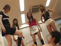 그룹 일본 femdom