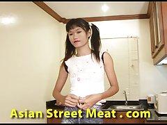 태국 청소년메이드