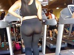 모레나 콘 tremendo culo y leggins transparentes