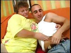 Busty plumper 을 가져옵는 강렬한 손가락한 방에서는 사람