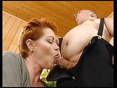 Redhead-Shorthair 섹시한중년여성 망하여 일반 폰 midget
