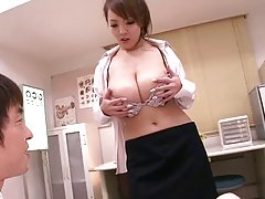 Hitomi 카 큰 tit 사