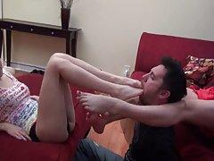 2 아시아 소녀들이 재미와 발을 licker