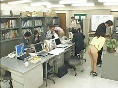 일본어학교육을 실시하고 있습니다.
