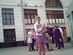 모스크바 지하철에서 치마를