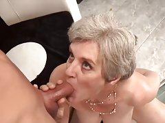 오래 된 엄마 사랑 어린 소년 f70