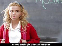 innocenthigh-작은 학교 여자 정 교사에 의해 groped