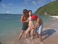 Maria Ozawa 비치 Threesome