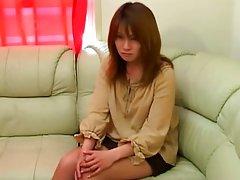 일본인 소녀가 기쁜 옷에서의 교환 시기